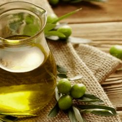 Various Advantages As Well As Disadvantages Of Using Olive Oil On Thick Hair!